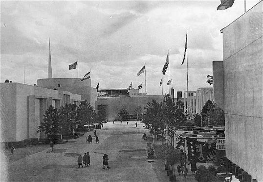 World's Fair 1939 - Avenue
