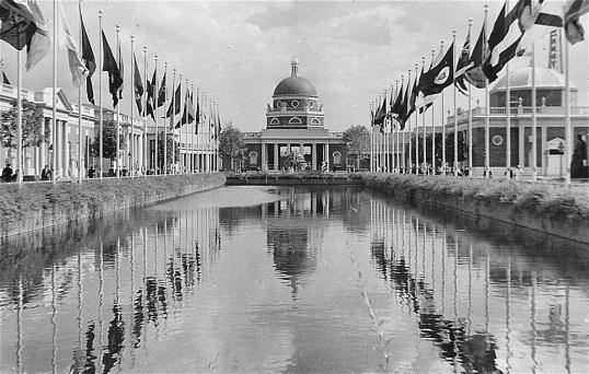 World's Fair 1939 - Reflecting Pool