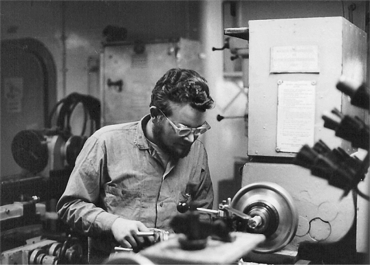 Naples - USS Cascade - Machine Shop
