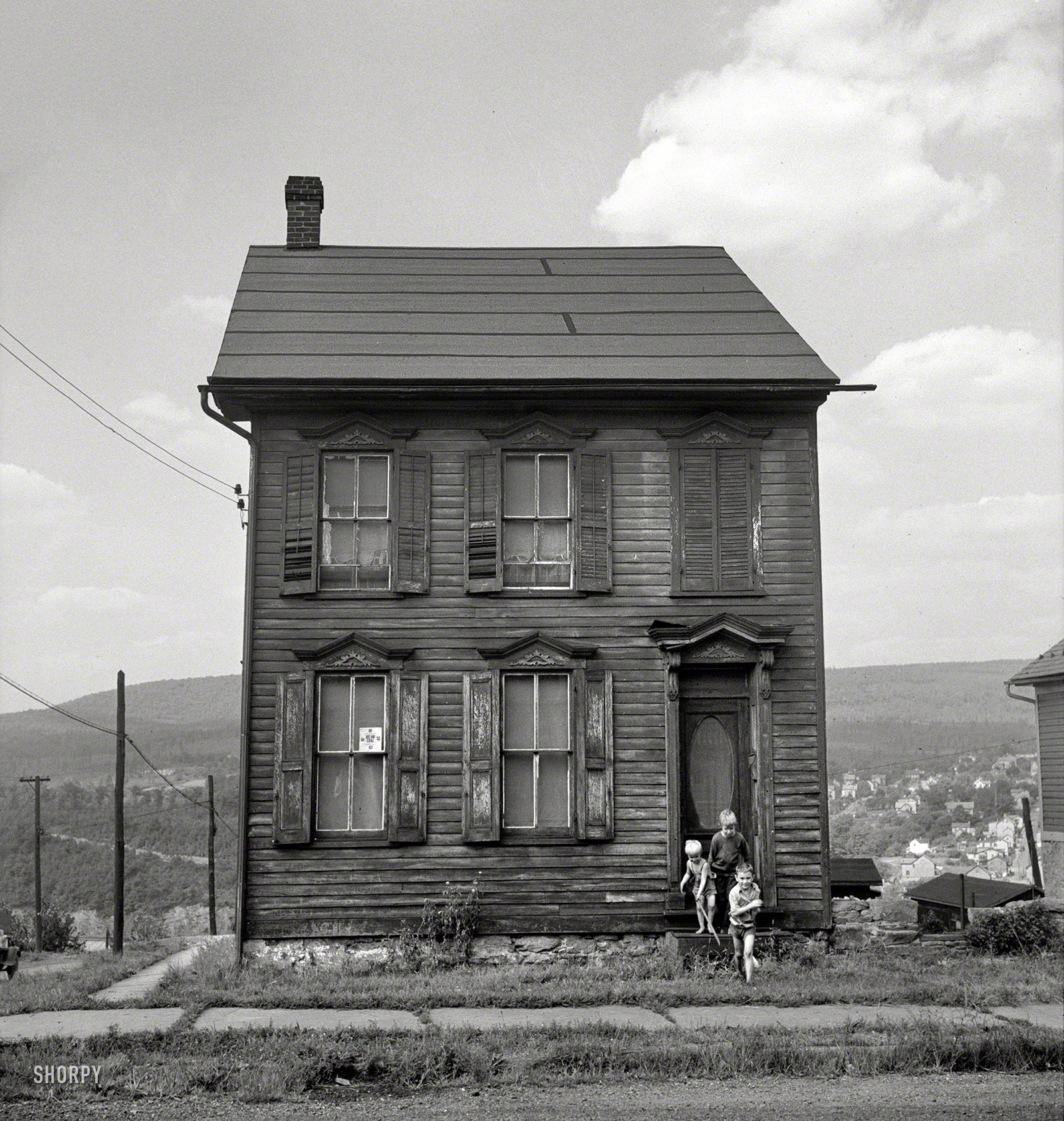 Old house in upper mauch chunk pennsylvania 1940 for House of classic
