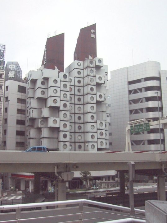 nakagin_capsule_tower_02