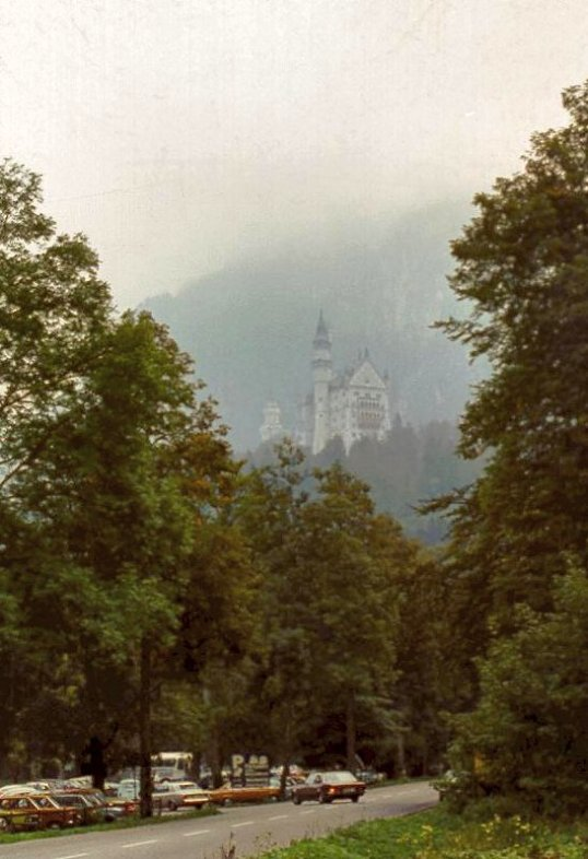 Füssen - Schloß Neuschwanstein in the mist - Cropped