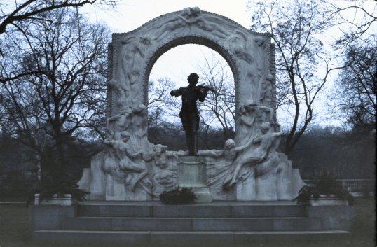 Vienna - Strauss Monument 2