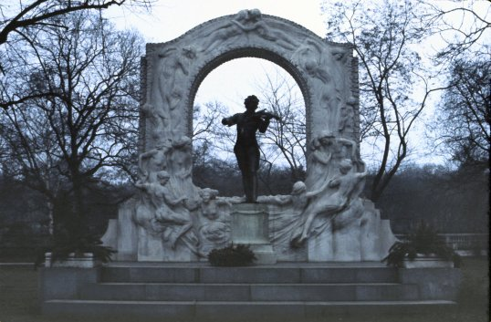 Vienna - Strauss Monument 2