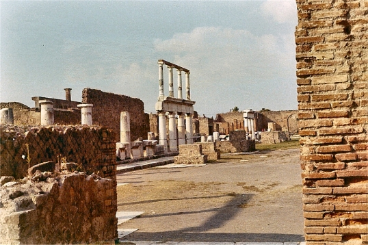 Pompeii - December 1970 - 10