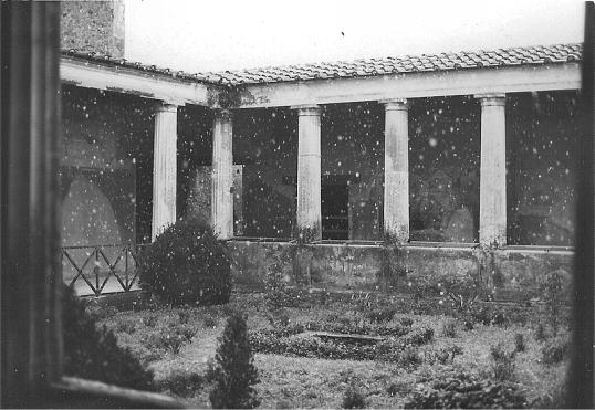 Pompeii - Snow 1