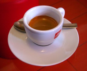 Tazzina_di_caffè_a_Ventimiglia