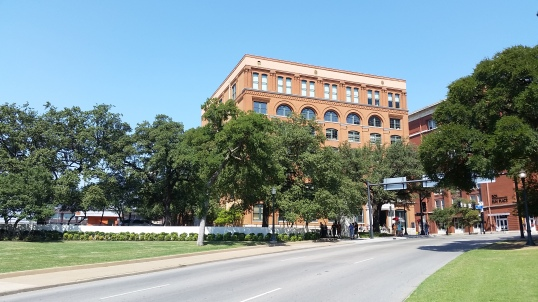 20150921 Kennedy Museum Outside from the Grassy Knoll